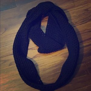 Other - Black knit infinity scarf